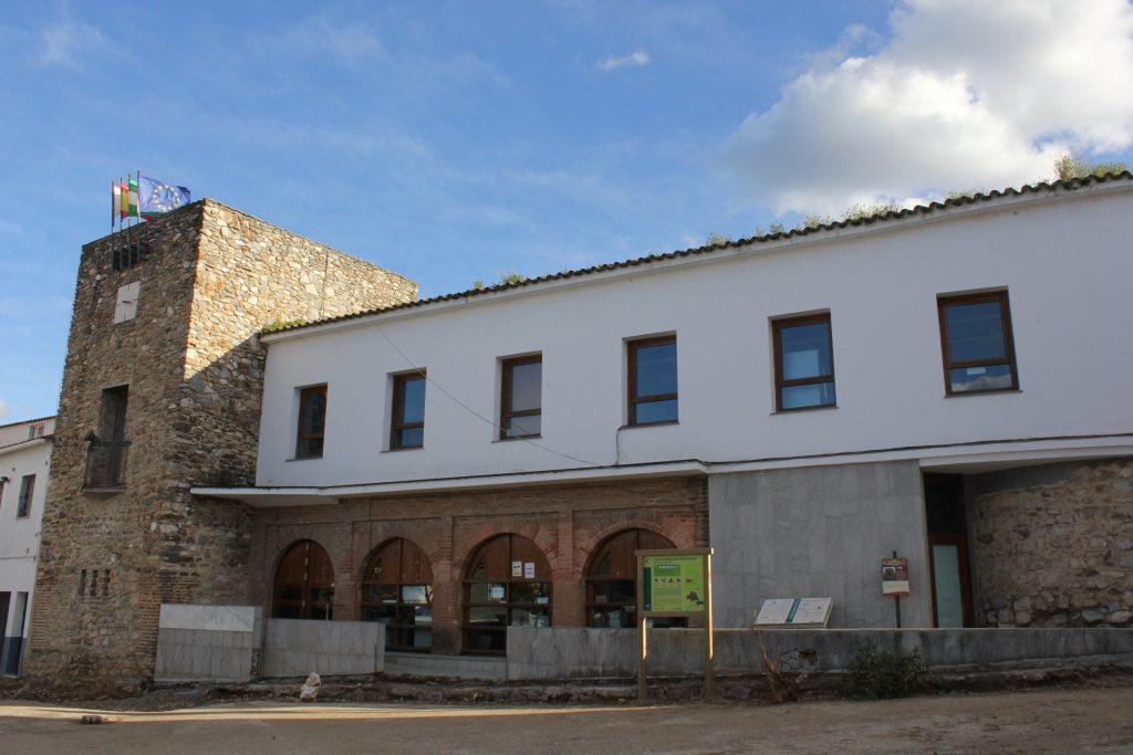 Castillo-de-Almaden-de-la-Plata-1024x683 ▷ Que ver en Almadén de la Plata