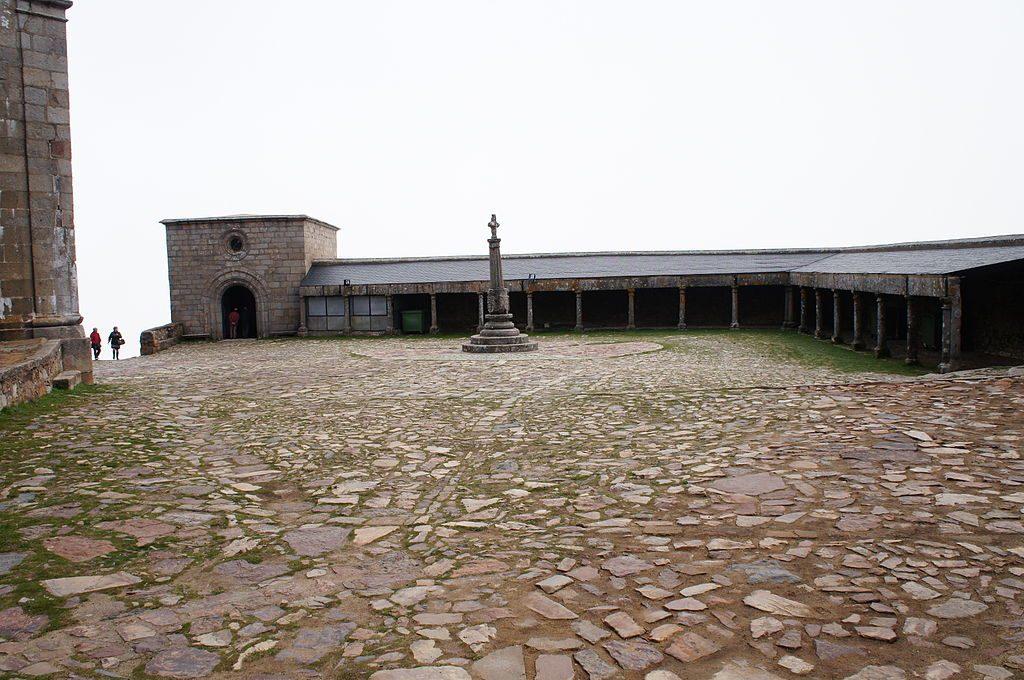Plaza-del-Santuario-1024x680 ▷ Que ver en el Santuario de la Peña de Francia